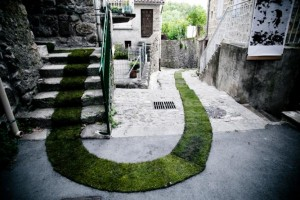 The-Green-Grass-Carpet-in-French-Village-of-Jaujac-1