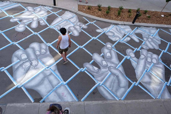 Impressive-Giant-Paintings-on-the-Concrete-by-Roadsworth-10-900x600