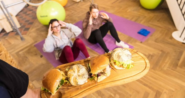 a-pop-up-london-restaurant-where-you-pay-for-meals-by-exercising-805x427