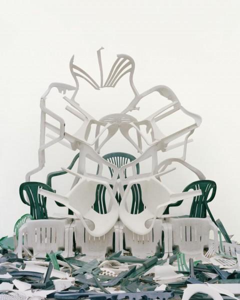 25-Plastic-Chairs