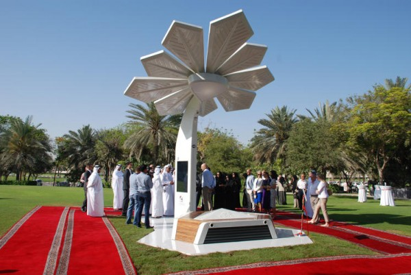 3048387-slide-s-1-dubai-is-building-smart-fake-palm-trees-that