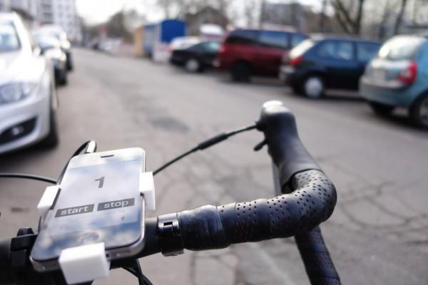 3050904-slide-s-5-this-cycling-app-senses-potholes