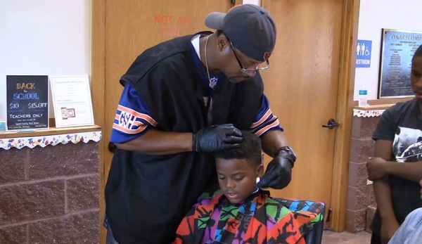 barber-free-haircut-read-books-courtney-holmes-6