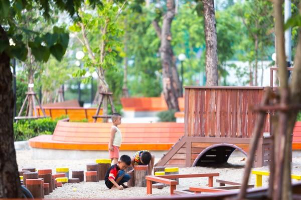 lan kila pat 1_playground