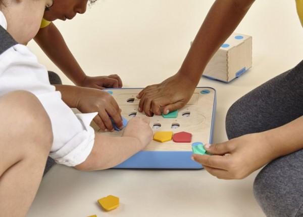 cubetto-randi-zuckerberg-primo-toys-children_dezeen_784_2