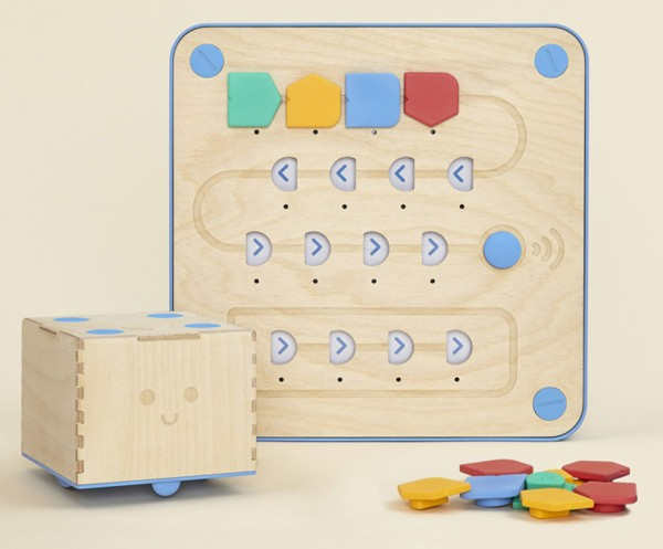 cubetto-randi-zuckerberg-primo-toys-children_dezeen_936_11