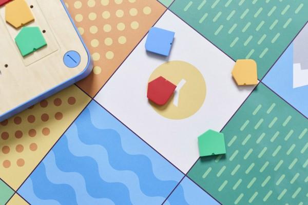 cubetto-randi-zuckerberg-primo-toys-children_dezeen_936_5