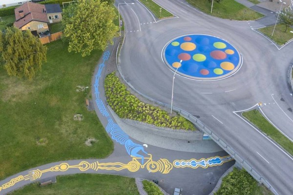 Impressive-Giant-Paintings-on-the-Concrete-by-Roadsworth-5-900x600
