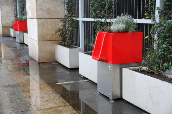 3067905-slide-6-paris-tests-flowerbox-urinals-that-let-you-pee